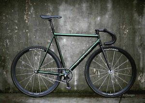 Amy Danger green cannondale fixed gear bike with Wound Up carbon Zephyr track and fixie fork